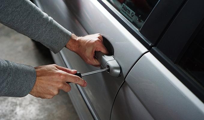 roubos e furtos de veículos