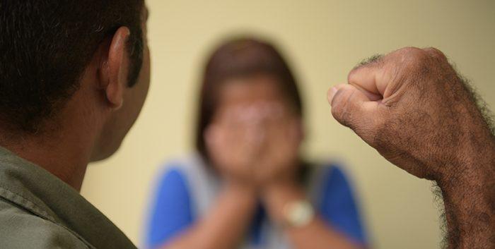 violência contra os pais