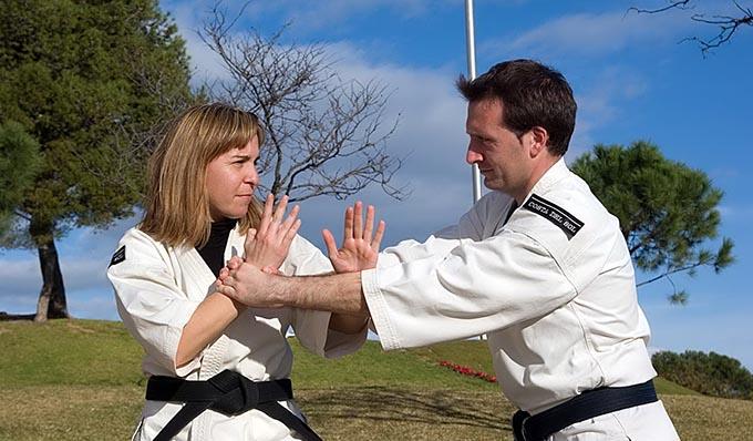 aulas de defesa pessoal